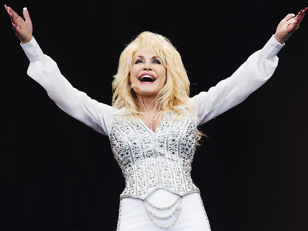 Dolly Parton Glastonbury photo
