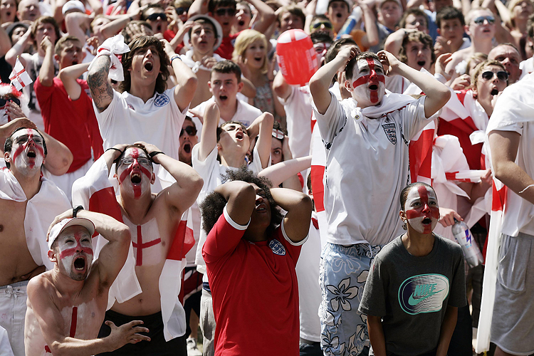 Bristol world cup fans by Adam Gasson / SWNS.com