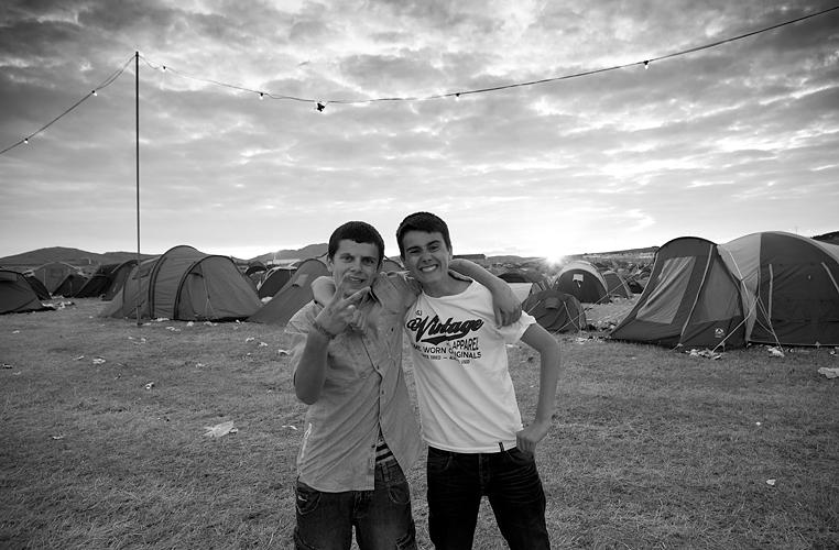 Wakestock Festival boys by Adam Gasson / threesongsnoflash.net